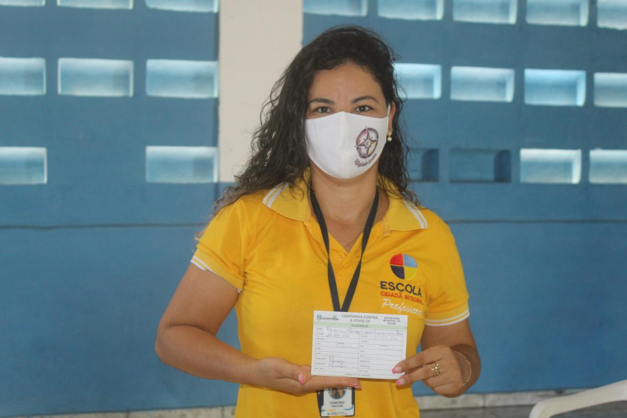 Borborema inicia aplicação da 1ª dose da vacina contra a Covid-19 nos professores do município