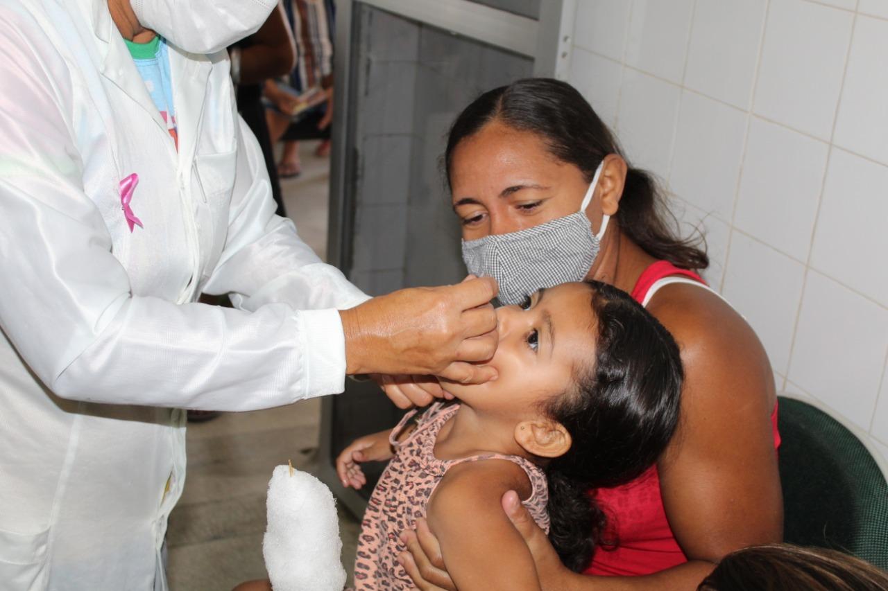 """Secretaria de Saúde realiza Dia """"D"""" de Multivacinação no município"""